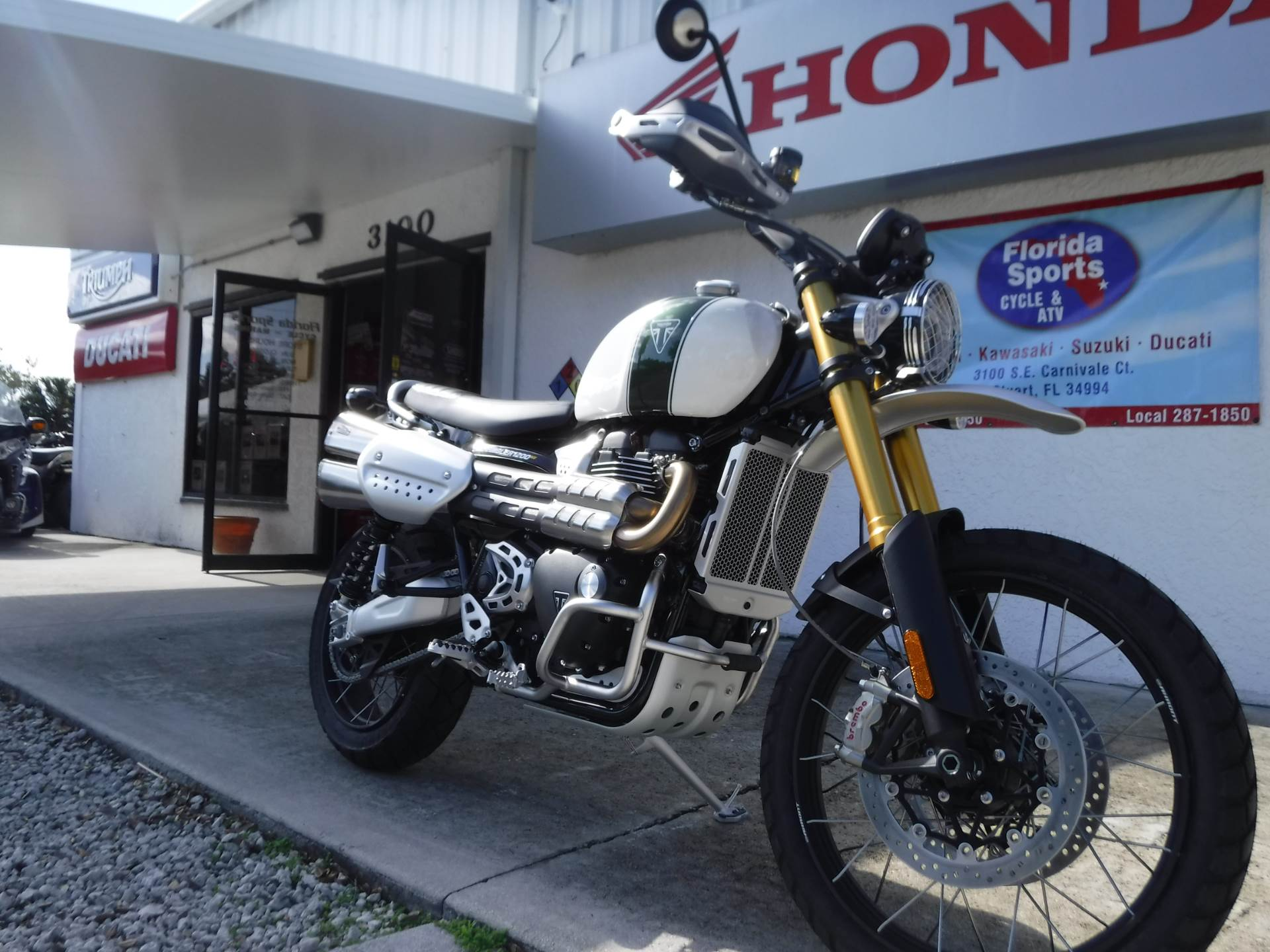 2019 Triumph Scrambler 1200 XE - Showcase in Stuart, Florida - Photo 2
