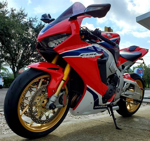 2017 Honda CBR1000RR SP in Stuart, Florida - Photo 4