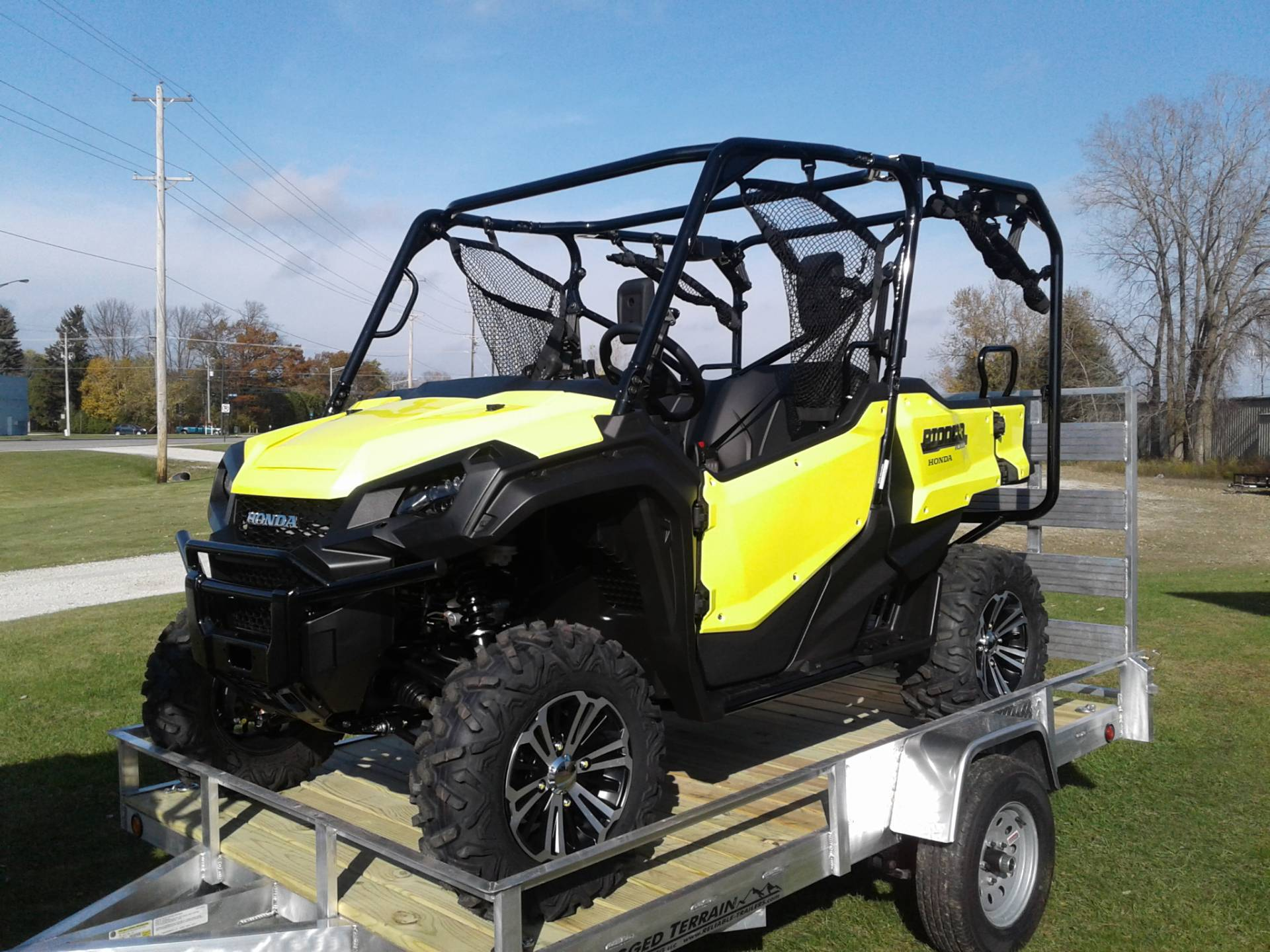 2018 Honda Pioneer 1000-5 Deluxe in Manitowoc, Wisconsin - Photo 1