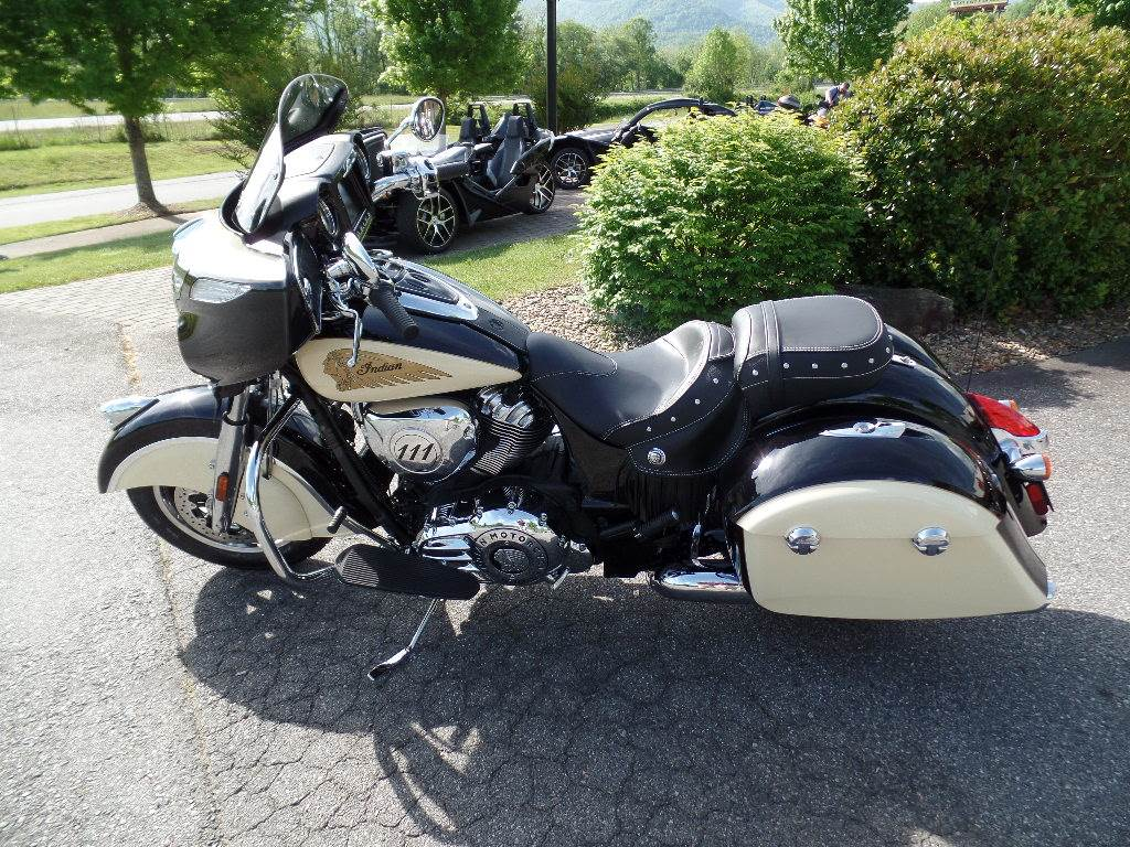 2019 Indian Chieftain® Classic ABS in Waynesville, North Carolina - Photo 1