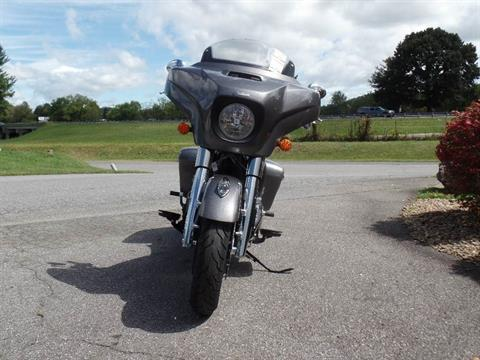 2019 Indian Chieftain® ABS in Waynesville, North Carolina - Photo 2