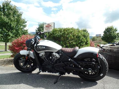 2019 Indian Scout® Bobber ABS in Waynesville, North Carolina - Photo 16
