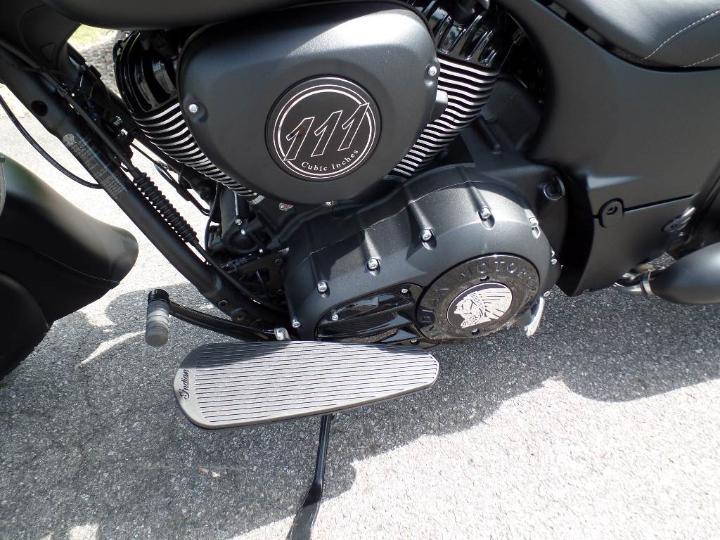 2019 Indian Chief® Dark Horse® ABS in Waynesville, North Carolina - Photo 2