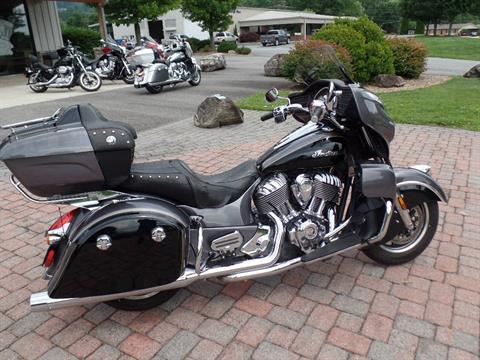 2016 Indian Roadmaster® in Waynesville, North Carolina - Photo 16