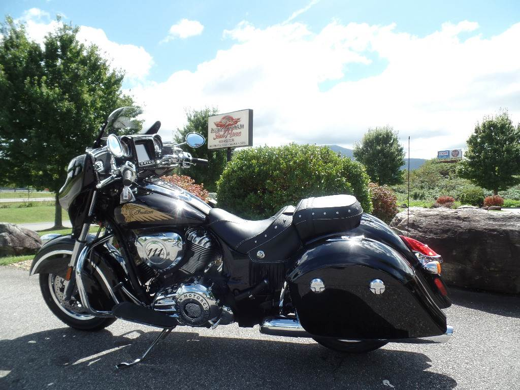 2018 Indian Chieftain® Classic in Waynesville, North Carolina
