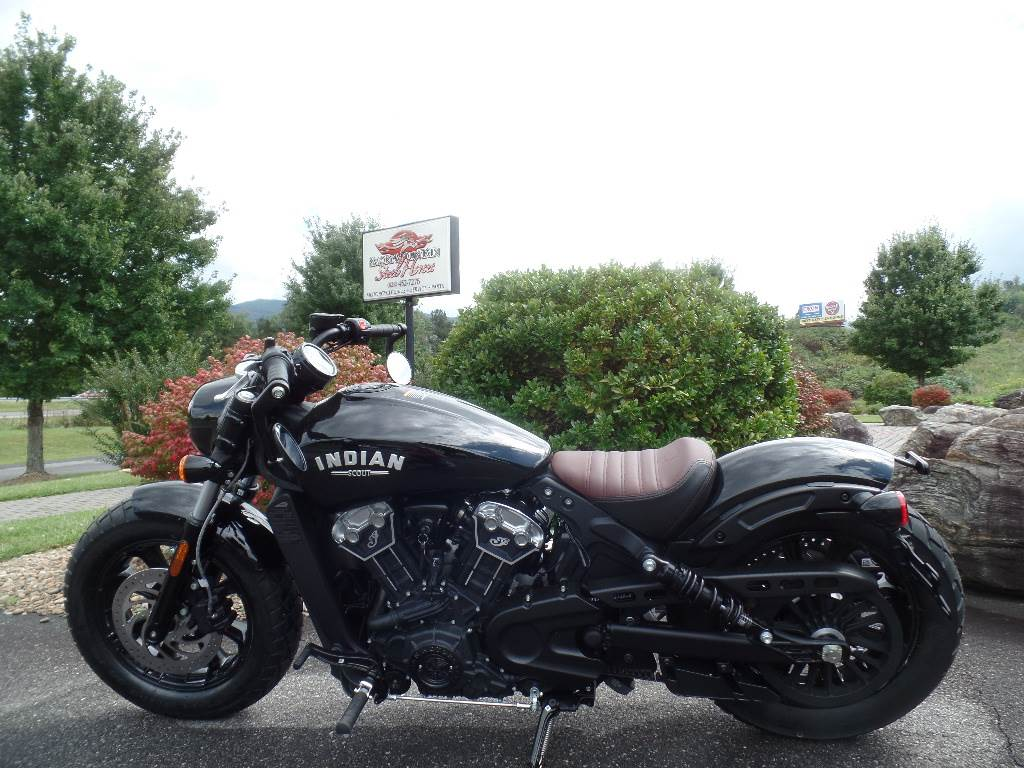 2019 Indian Scout® Bobber in Waynesville, North Carolina