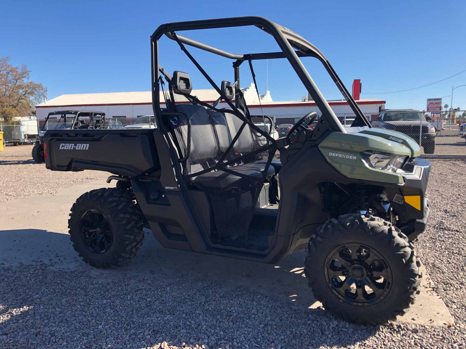 2021 Can-Am Defender DPS HD8 in Safford, Arizona - Photo 3