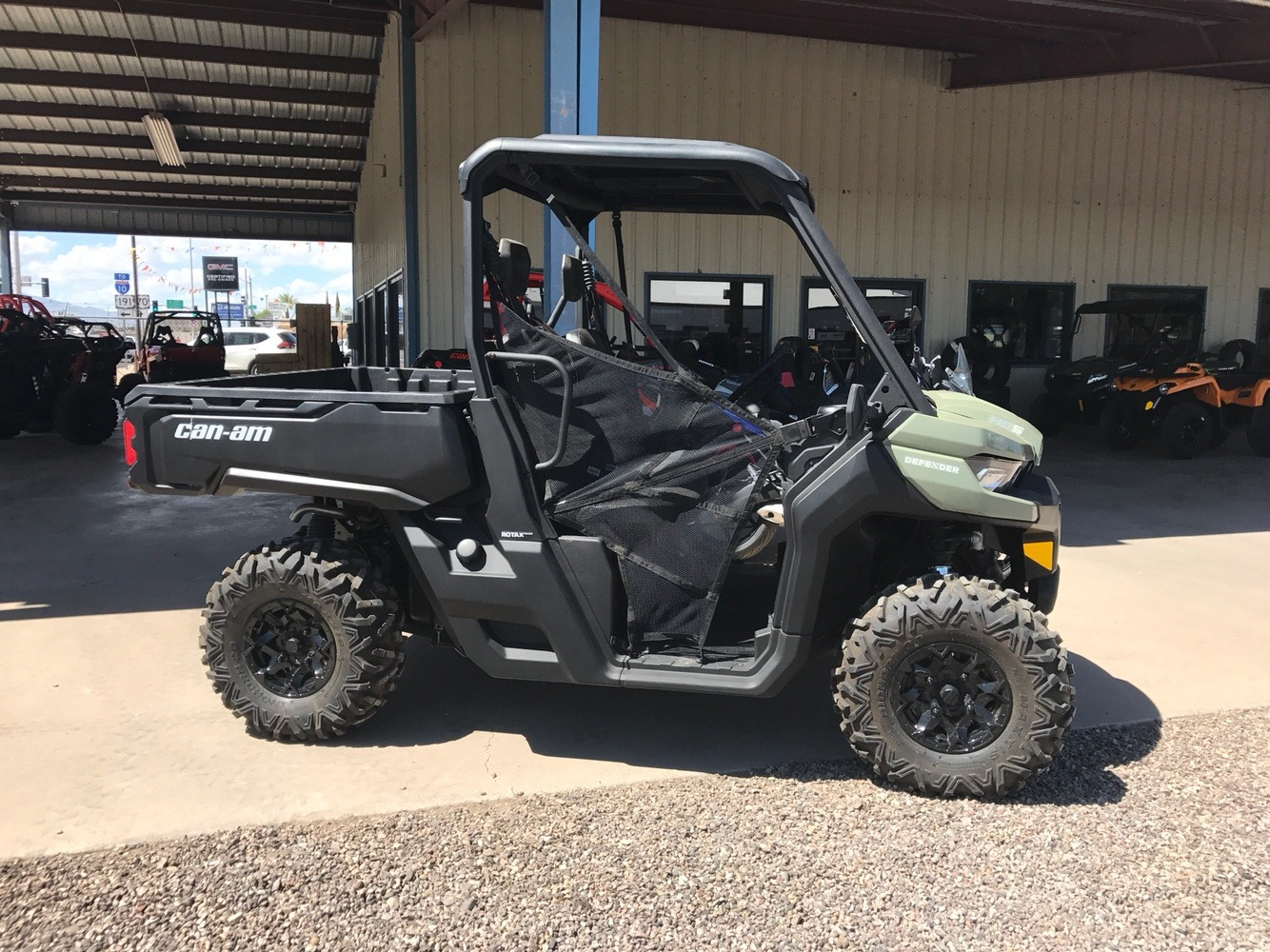 2017 Can-Am Defender DPS HD5 in Safford, Arizona