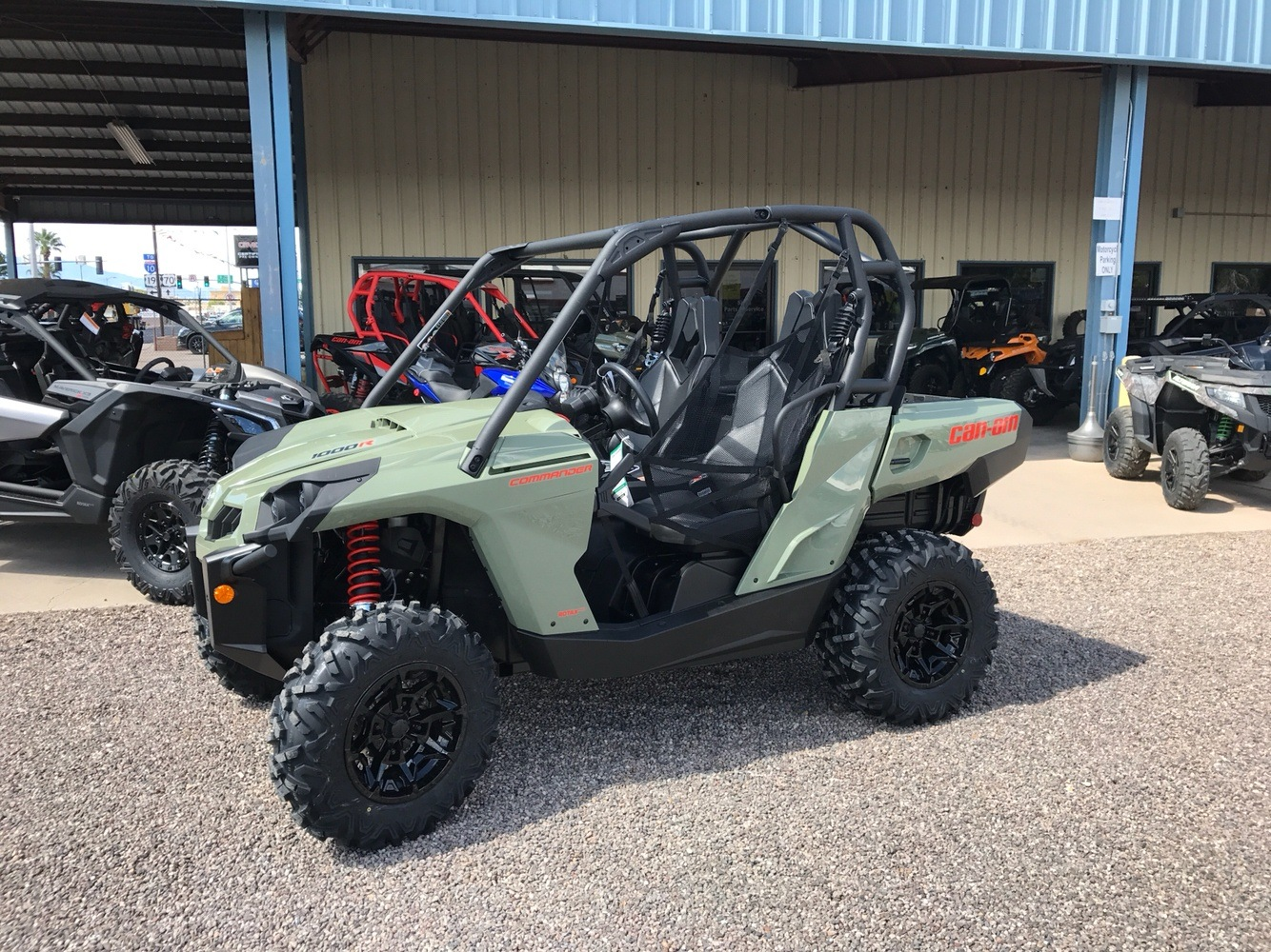 2018 Can-Am Commander DPS 1000R in Safford, Arizona