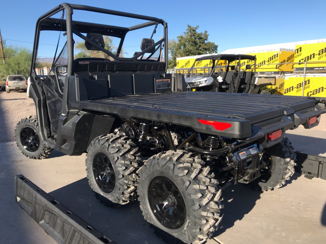 2020 Can-Am Defender 6x6 DPS HD10 in Safford, Arizona - Photo 7