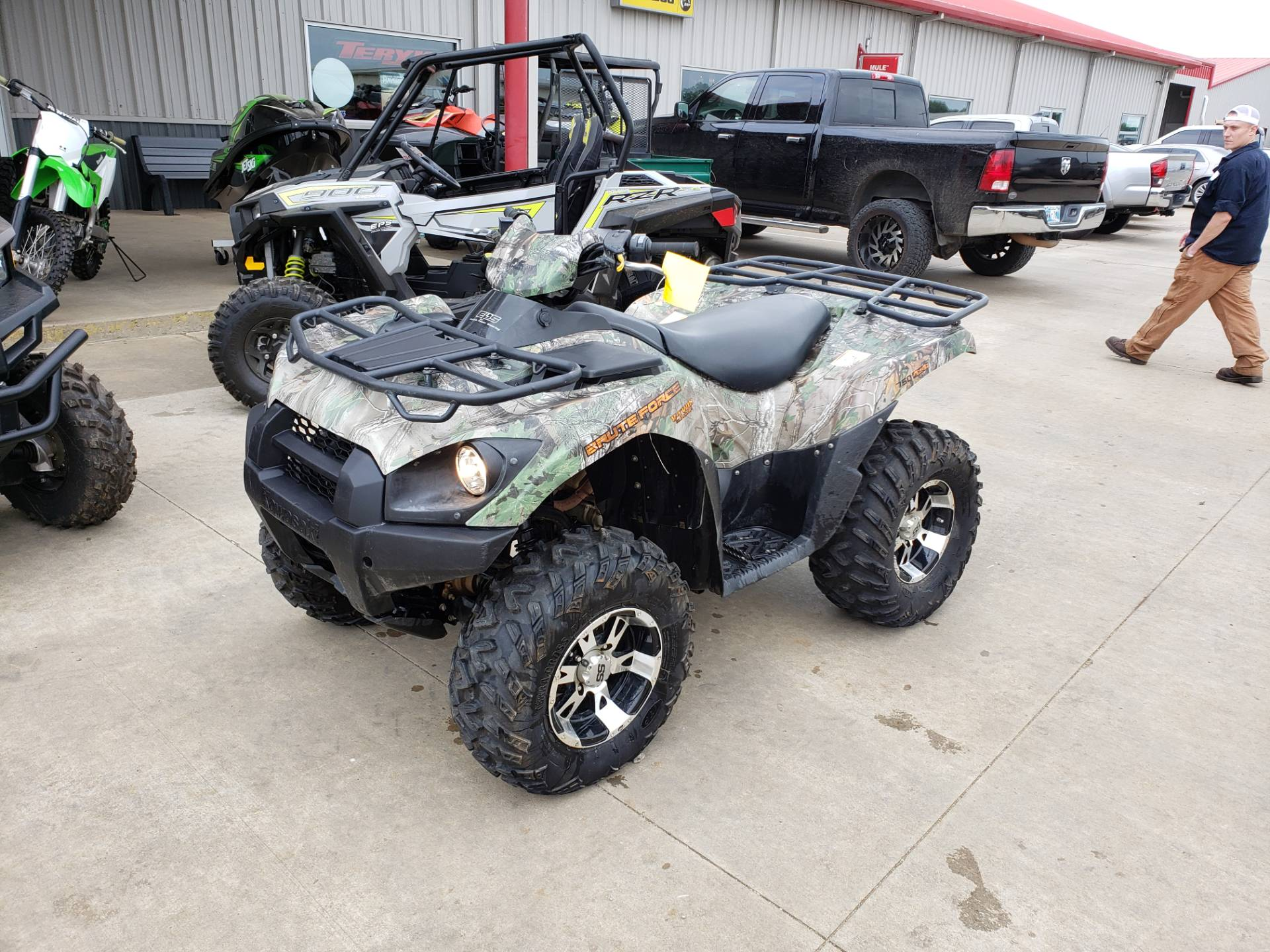 2016 Kawasaki Brute Force 750 4x4i EPS in Durant, Oklahoma - Photo 2