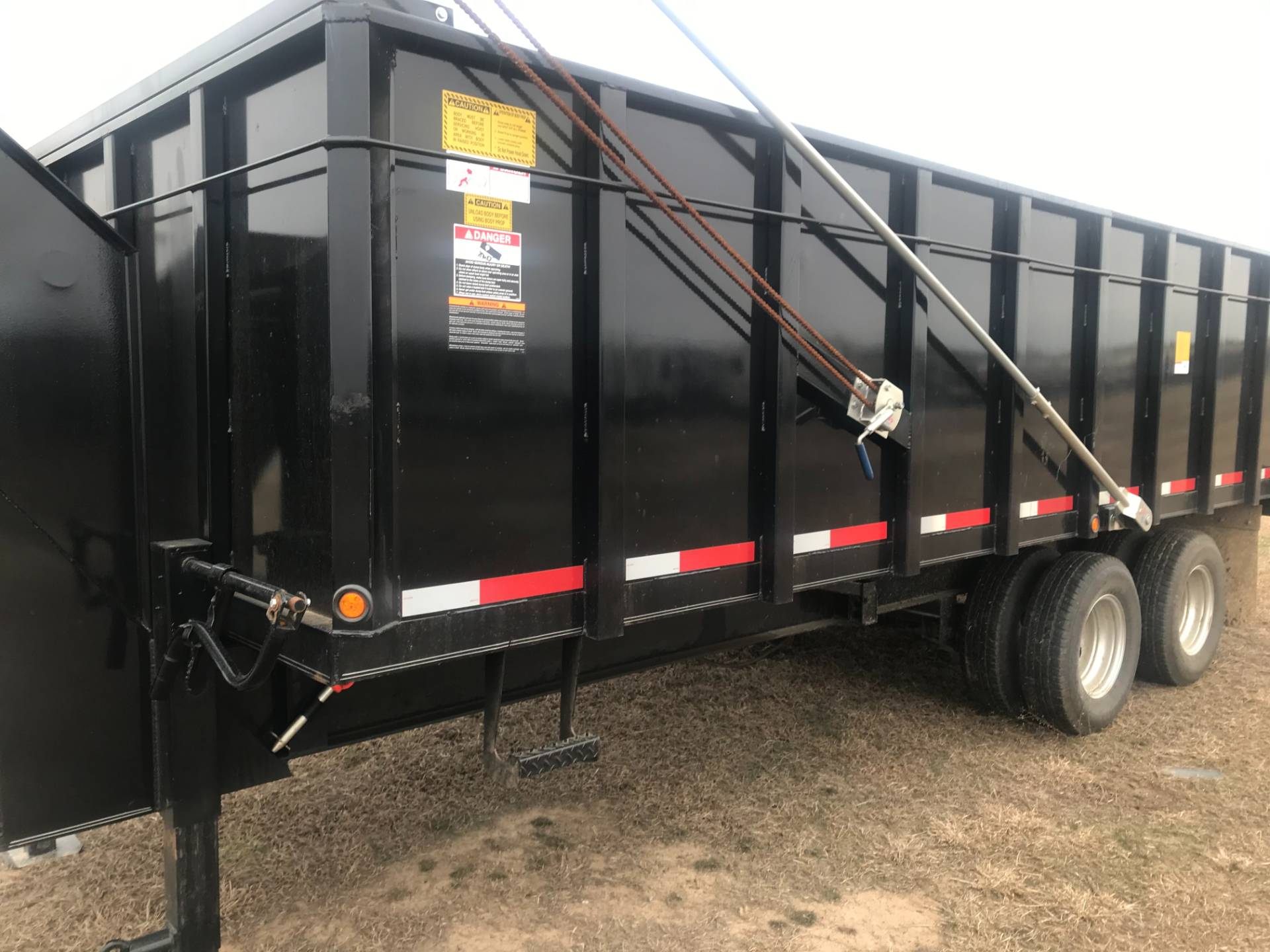 2019 Texas Bragg 8X20 GOOSENECK DUMP TRAILER in Durant, Oklahoma - Photo 2