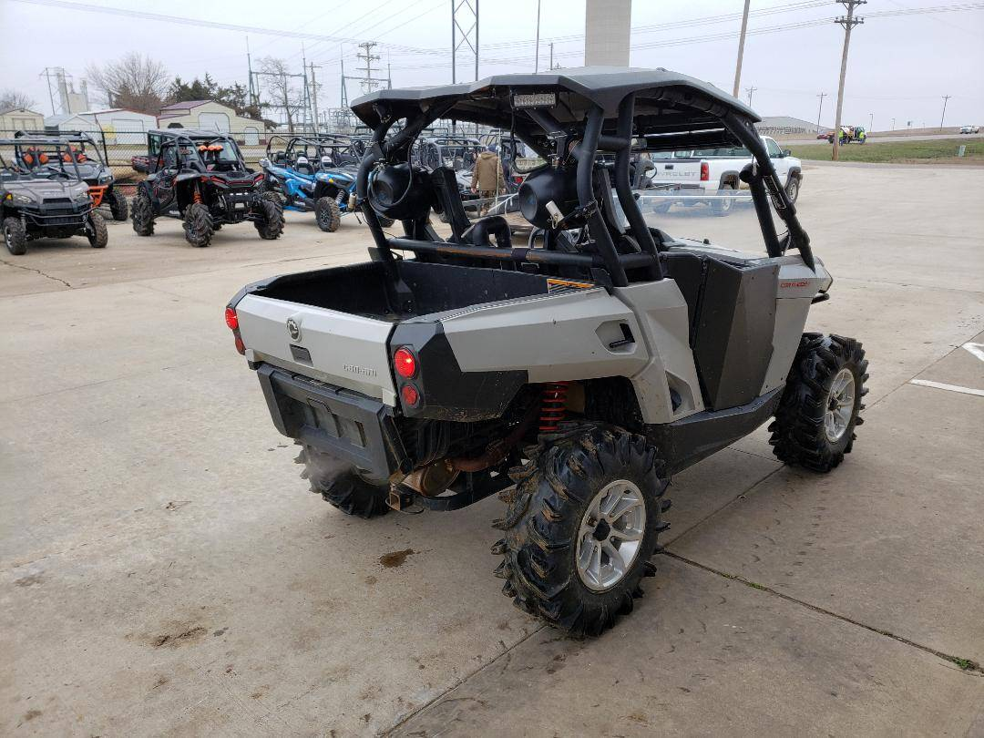 2017 Can-Am Commander DPS 800R in Durant, Oklahoma