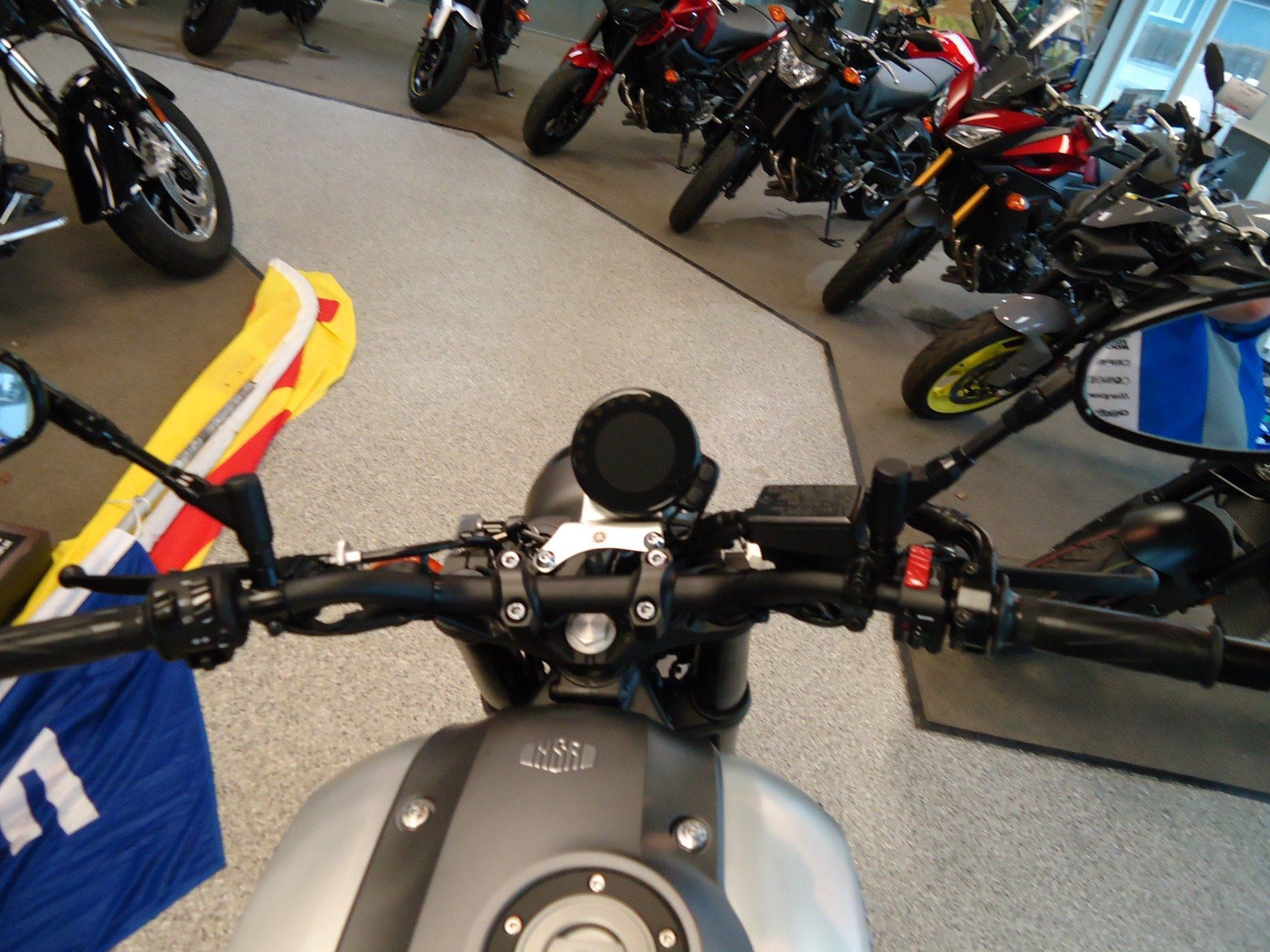 2016 Yamaha XSR900 7
