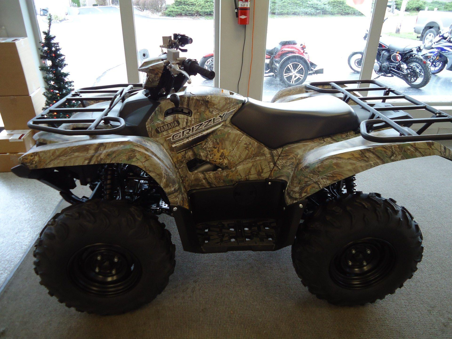 2017 Yamaha Grizzly EPS in Coloma, Michigan
