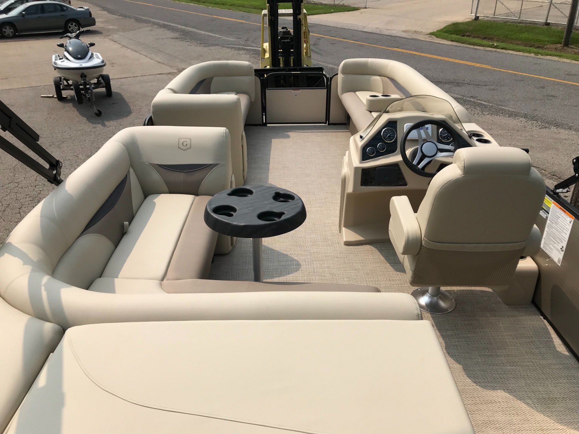 2019 Sweetwater SW2286C TriToon in Coloma, Michigan