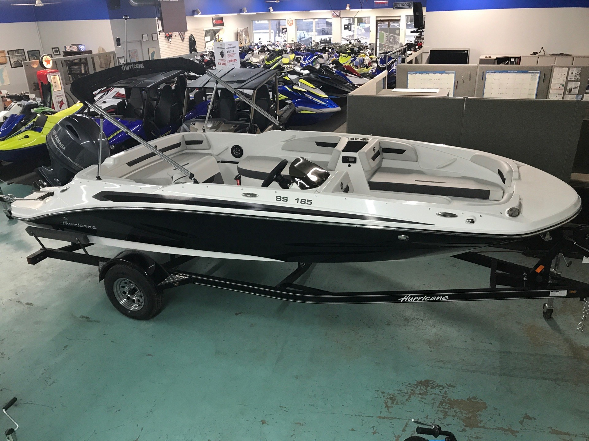 2020 Hurricane Sun Deck Sport 185 in Coloma, Michigan - Photo 5