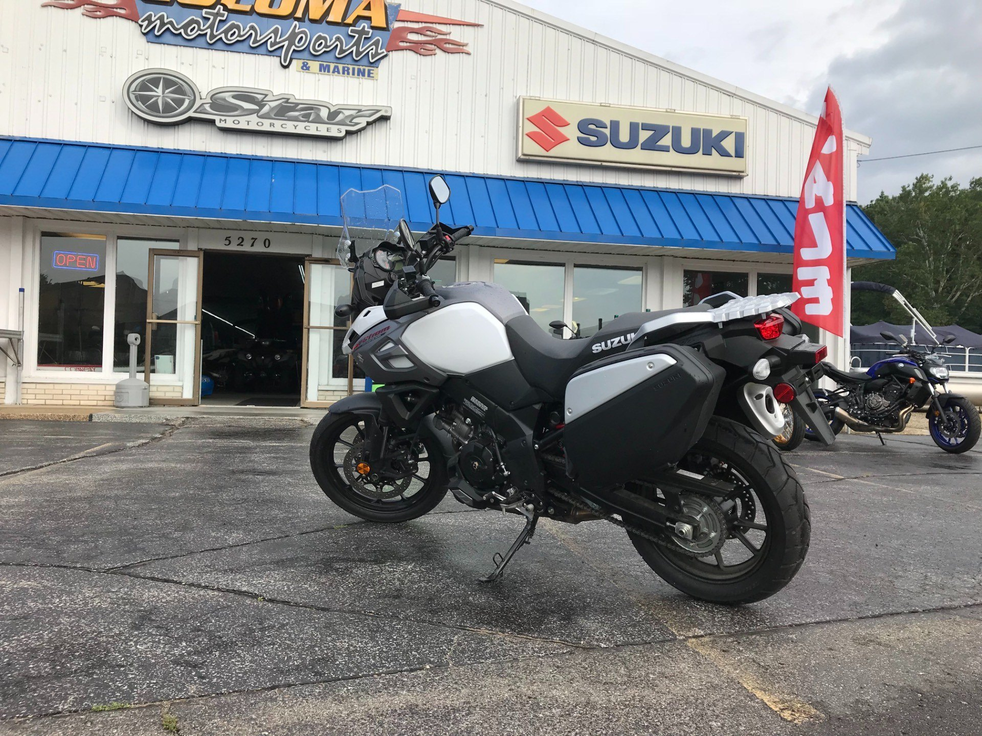 2018 Suzuki V-Strom 1000 in Coloma, Michigan