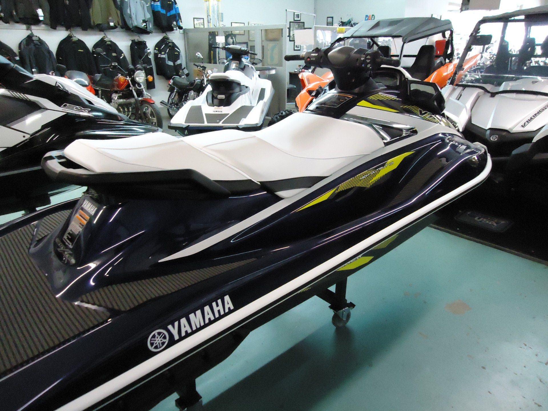 2017 Yamaha VX Deluxe 4