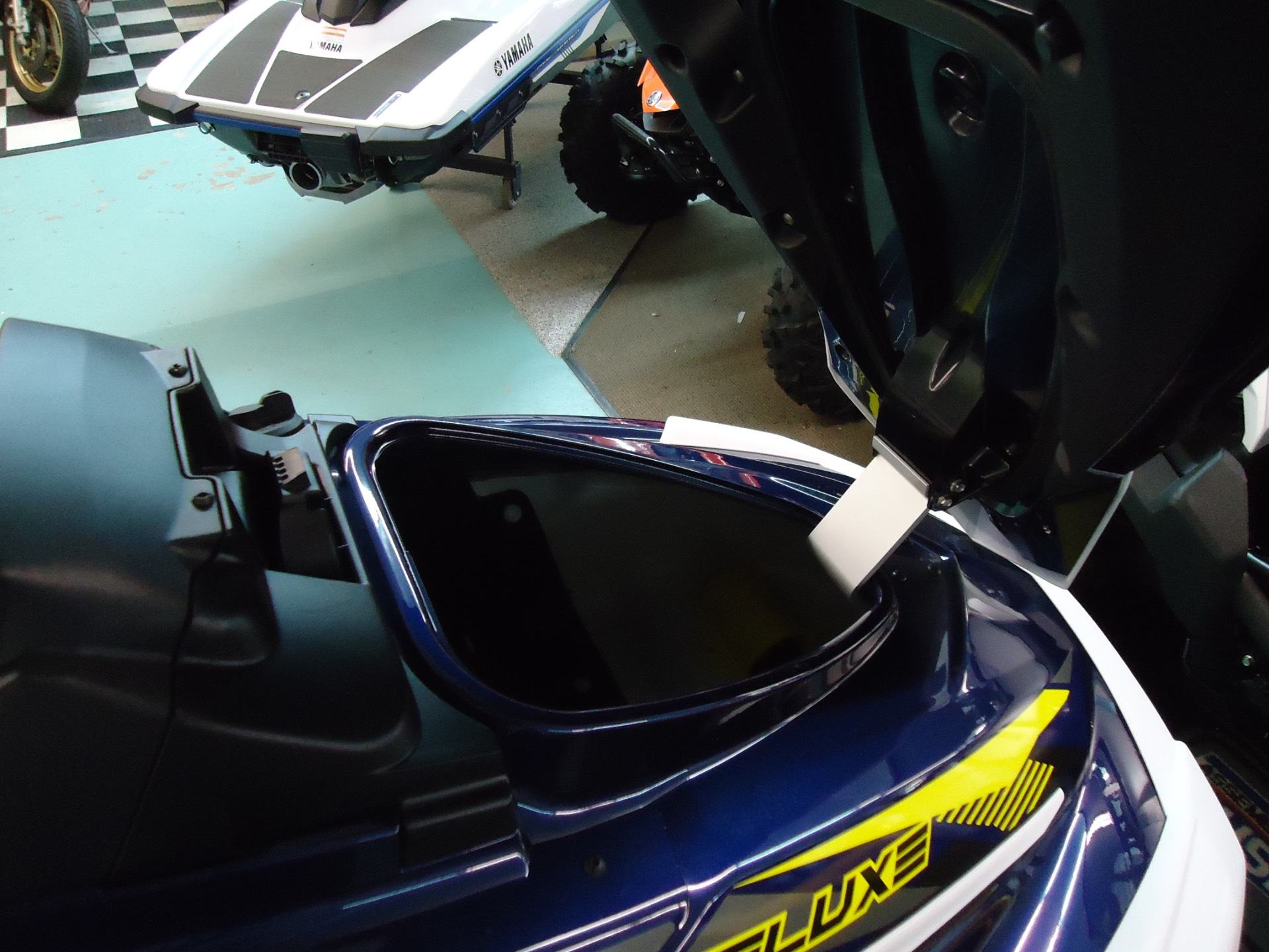 2017 Yamaha VX Deluxe 9