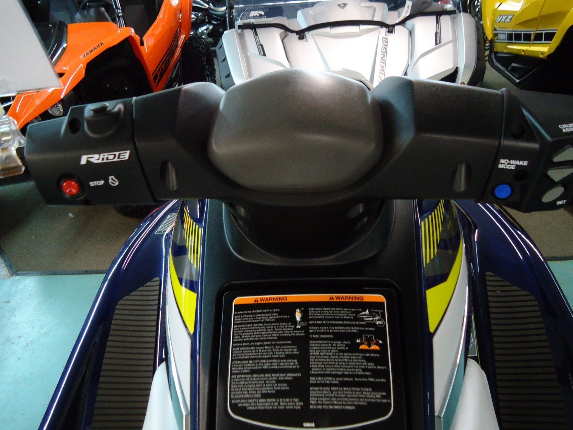 2017 Yamaha VX Deluxe 10