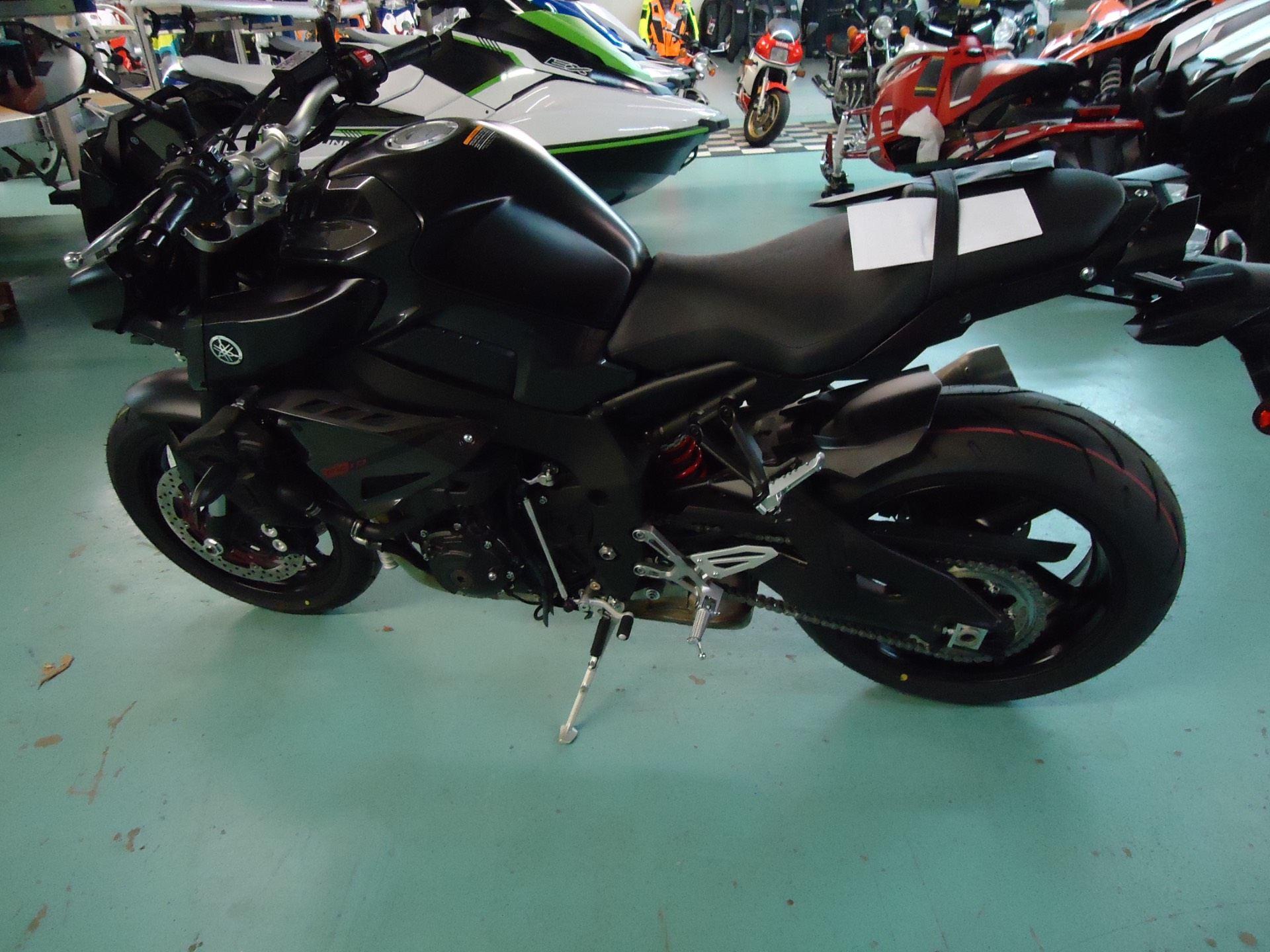 2017 Yamaha FZ-10 5