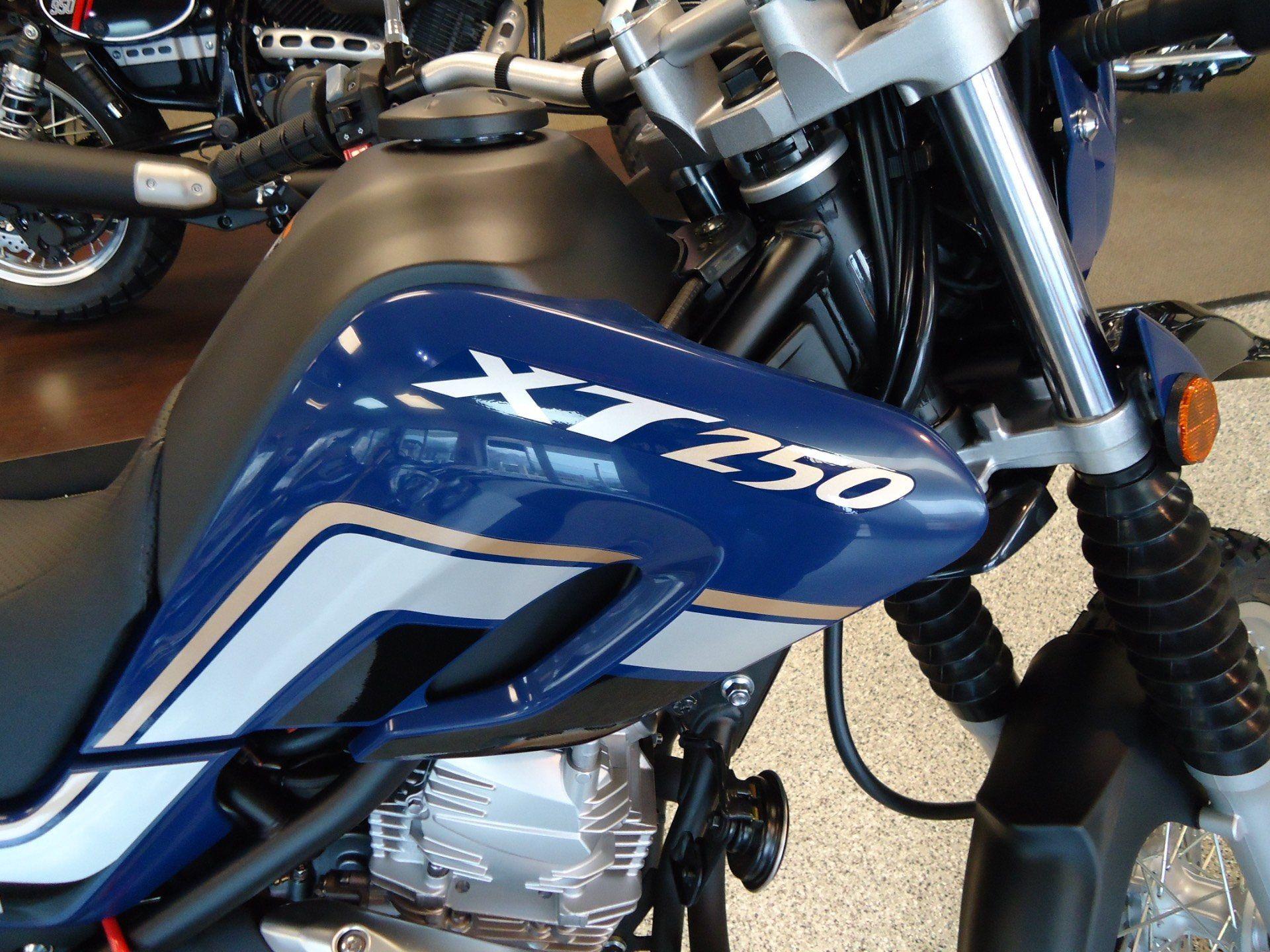 2017 Yamaha XT250 7