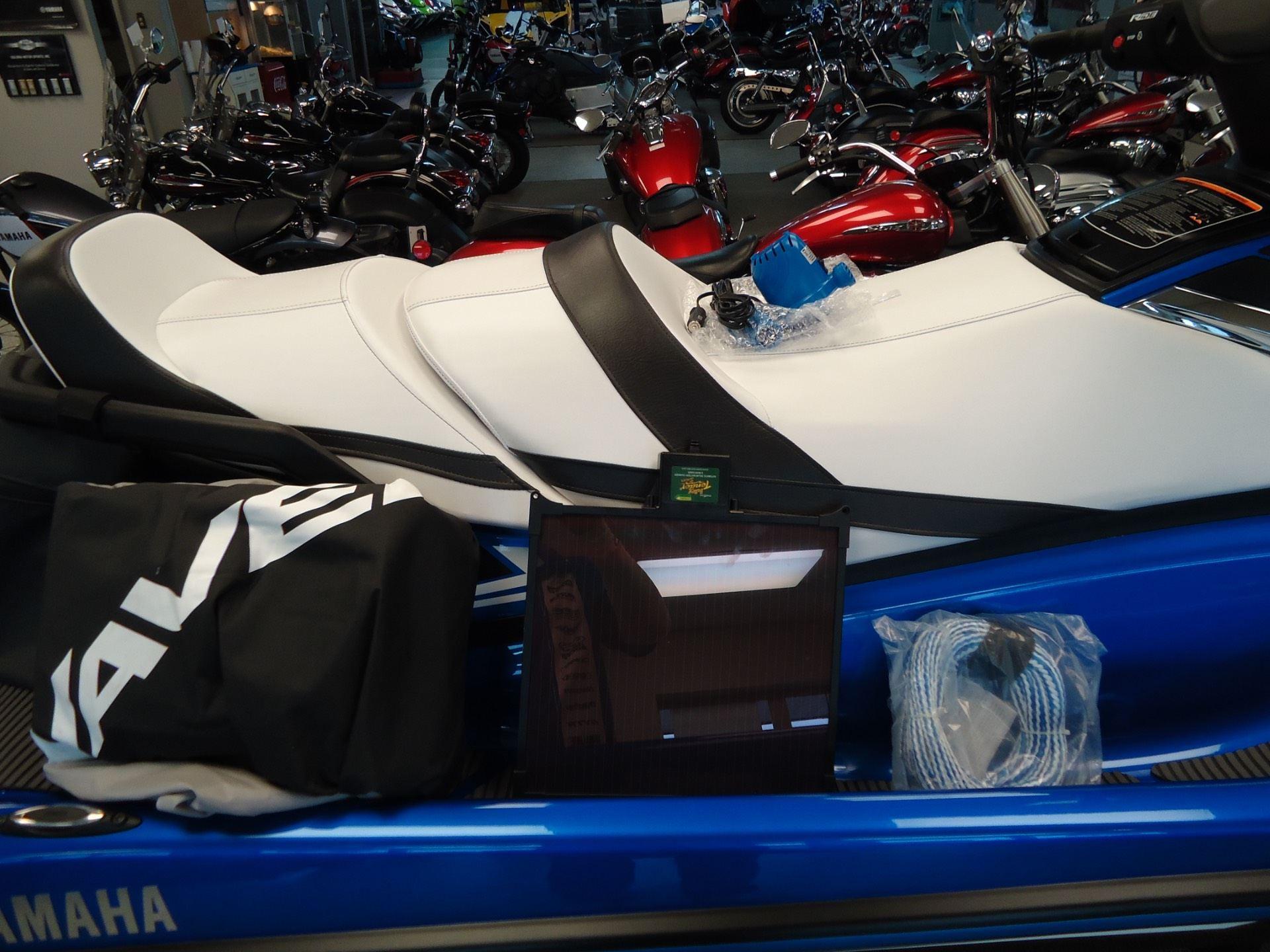 2017 Yamaha VX Limited 10