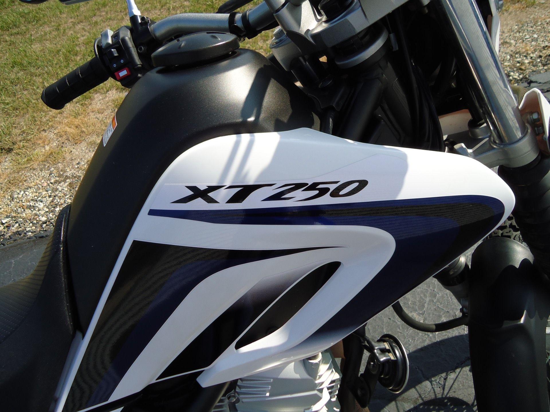 2013 Yamaha XT250 6