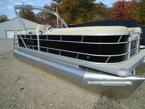2017 Sweetwater SW2286SB TriToon in Coloma, Michigan