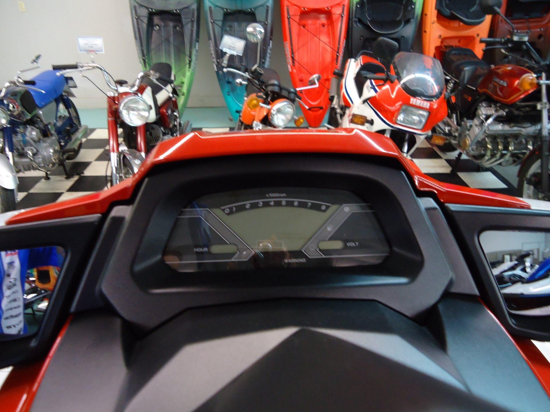 2017 Yamaha VX 6