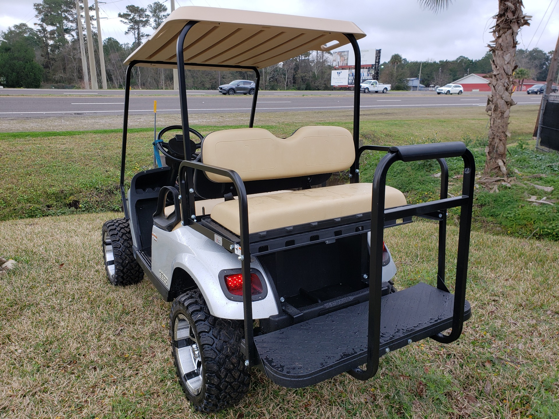 2015 E-Z-GO TXT Electric in Fernandina Beach, Florida - Photo 3