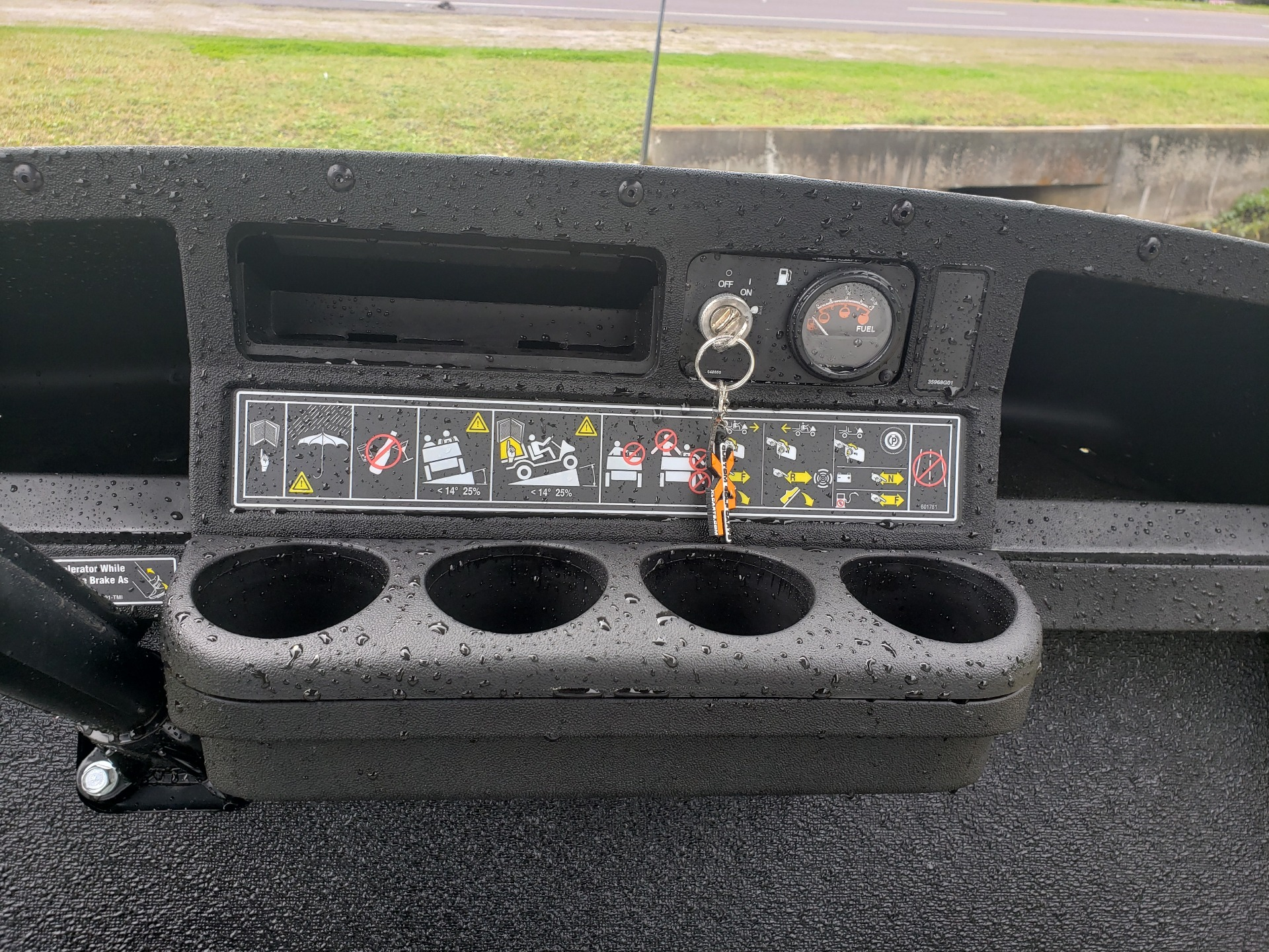 2021 Cushman Shuttle 6 EFI GAS in Fernandina Beach, Florida - Photo 6