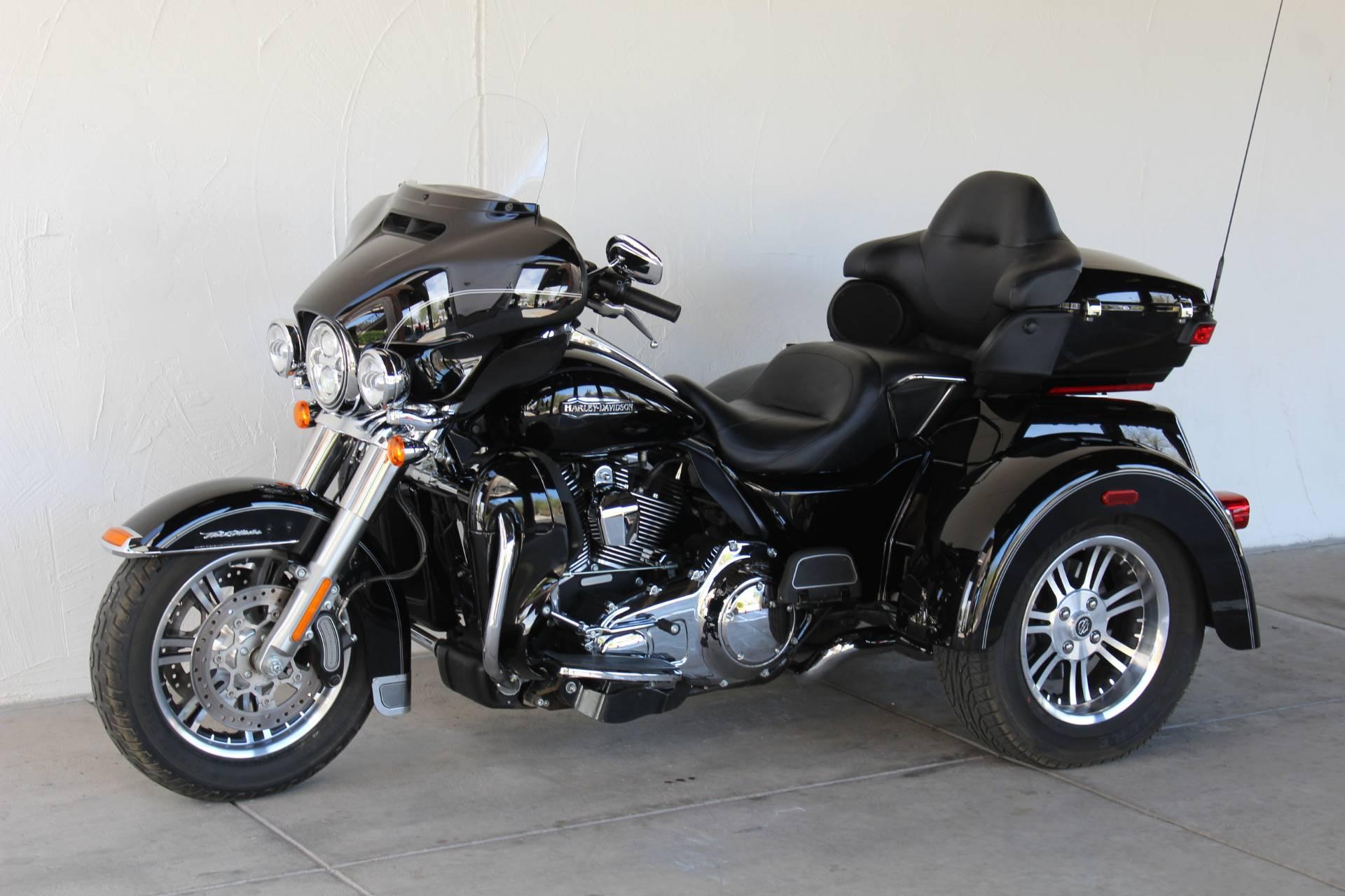 2014 Harley Davidson Tri Glide Ultra: 2014 Harley-Davidson Tri Glide® Ultra Trikes Apache