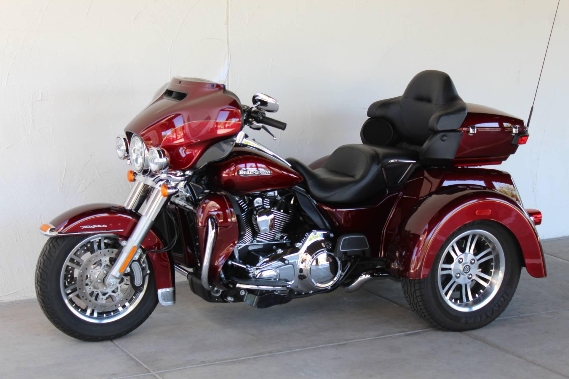 2016 Harley Davidson Tri Glide Ultra Gallery 670252: 2016 Harley-Davidson Tri Glide® Ultra Trikes Apache