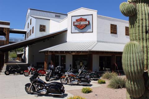 2017 Harley-Davidson CVO™ Street Glide® in Apache Junction, Arizona