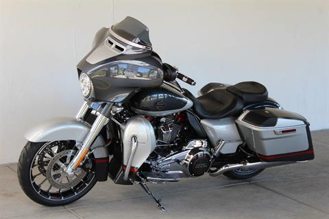 2019 Harley-Davidson CVO™ Street Glide® in Apache Junction, Arizona