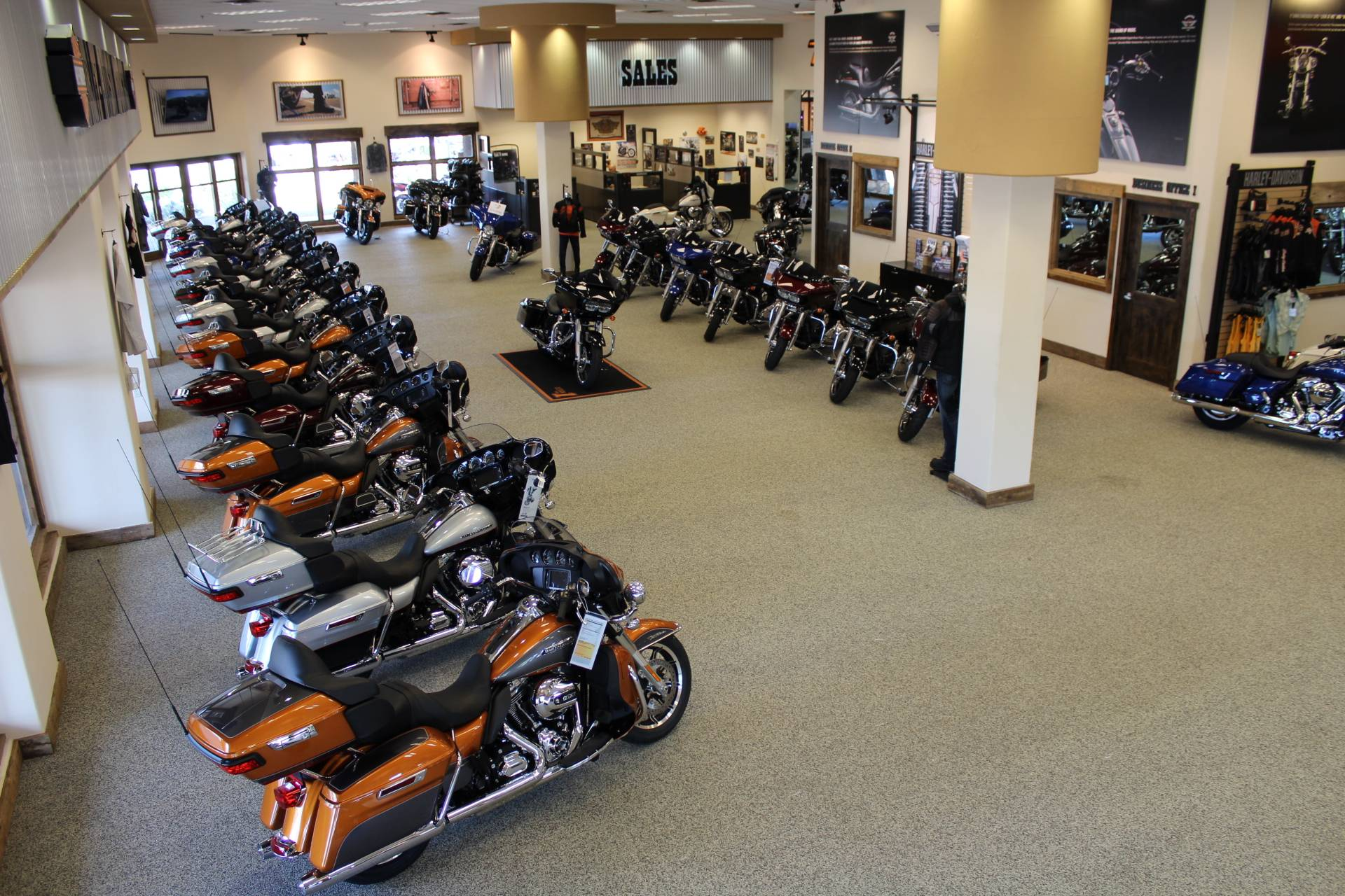 HarleyDavidson CVO Pro Street Breakout Motorcycles Apache - Apache junction car show