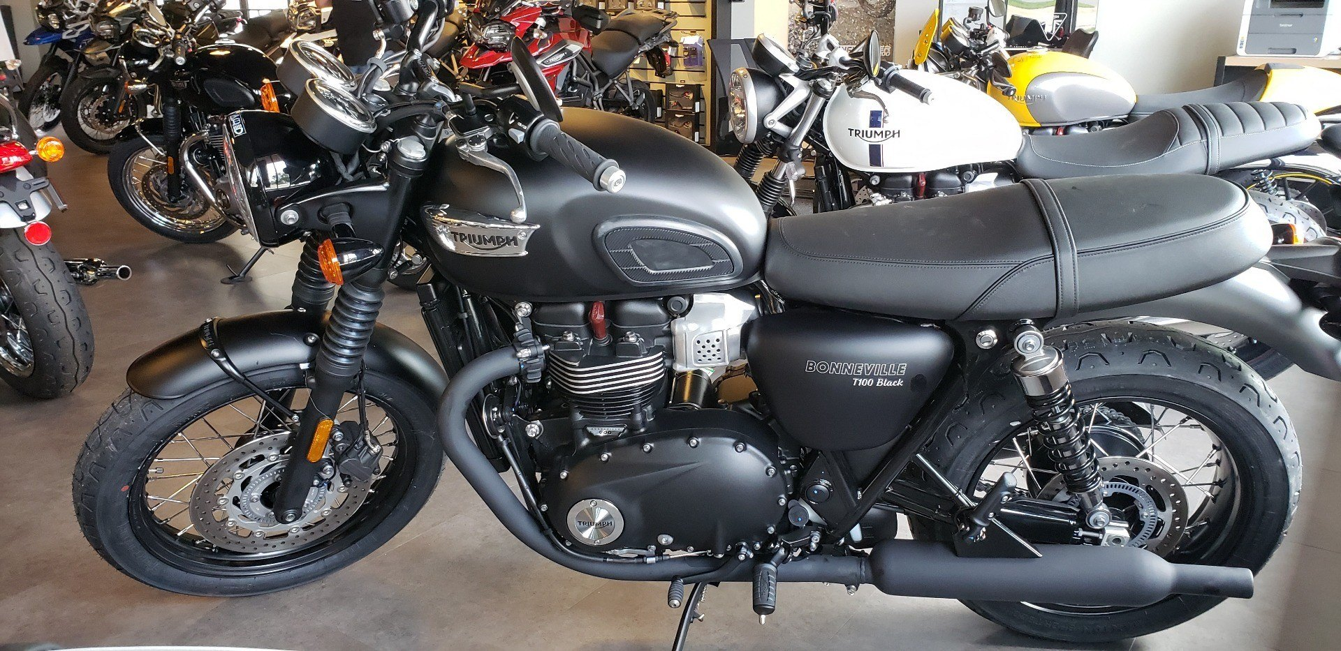 2018 Triumph Bonneville T100 Black in Shelby Township, Michigan