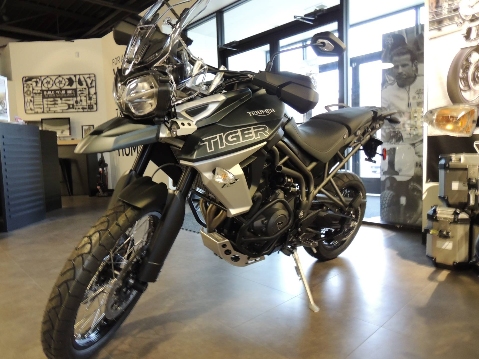 2019 Triumph Tiger 800 XCa in Shelby Township, Michigan - Photo 2