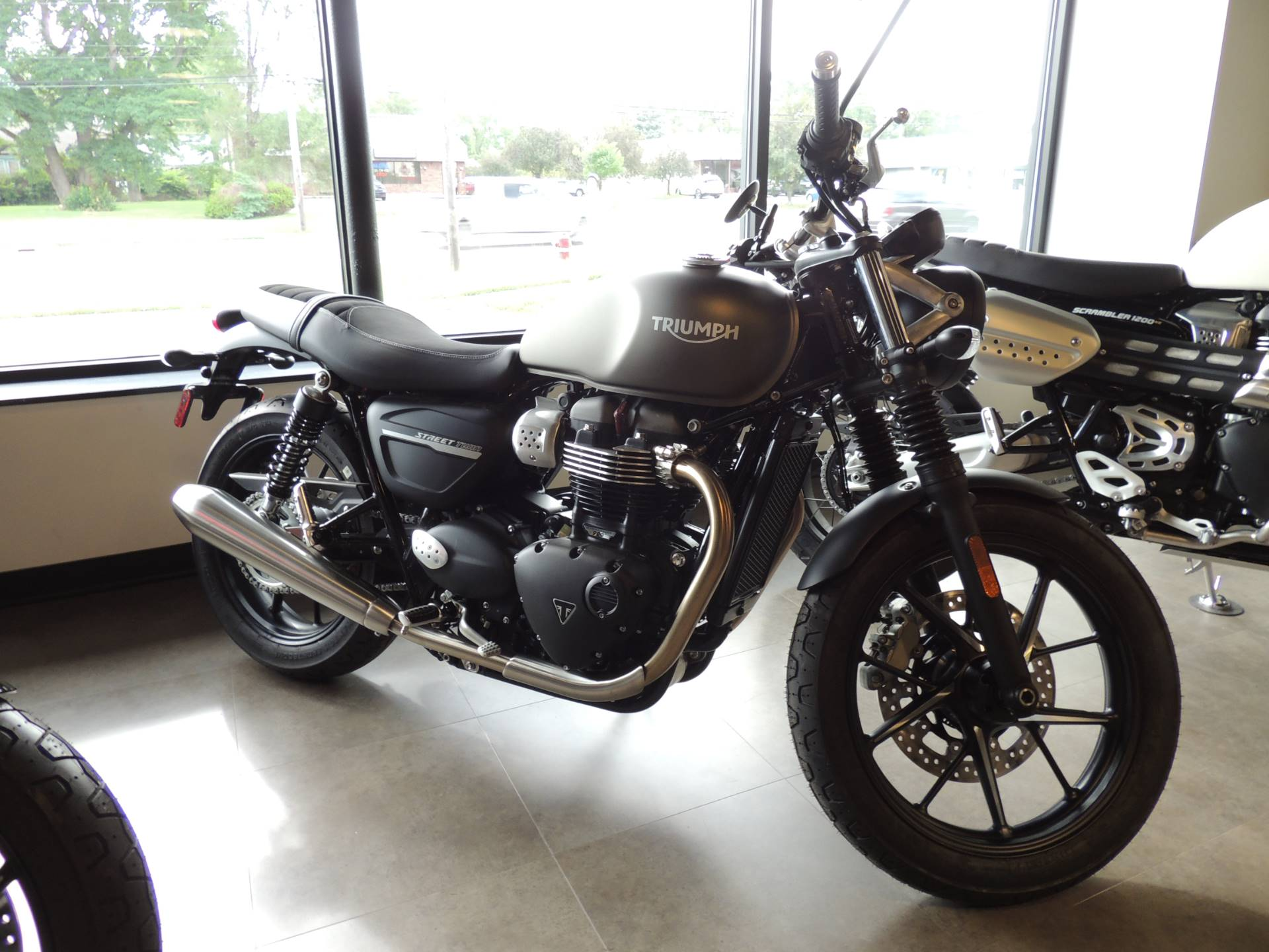 2020 Triumph Street Twin 900 in Shelby Township, Michigan - Photo 1