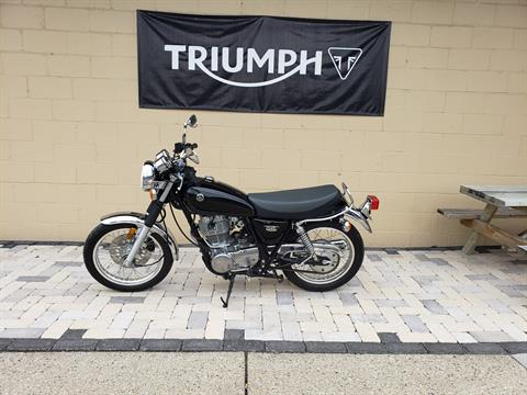 2016 Yamaha SR400 in Shelby Township, Michigan