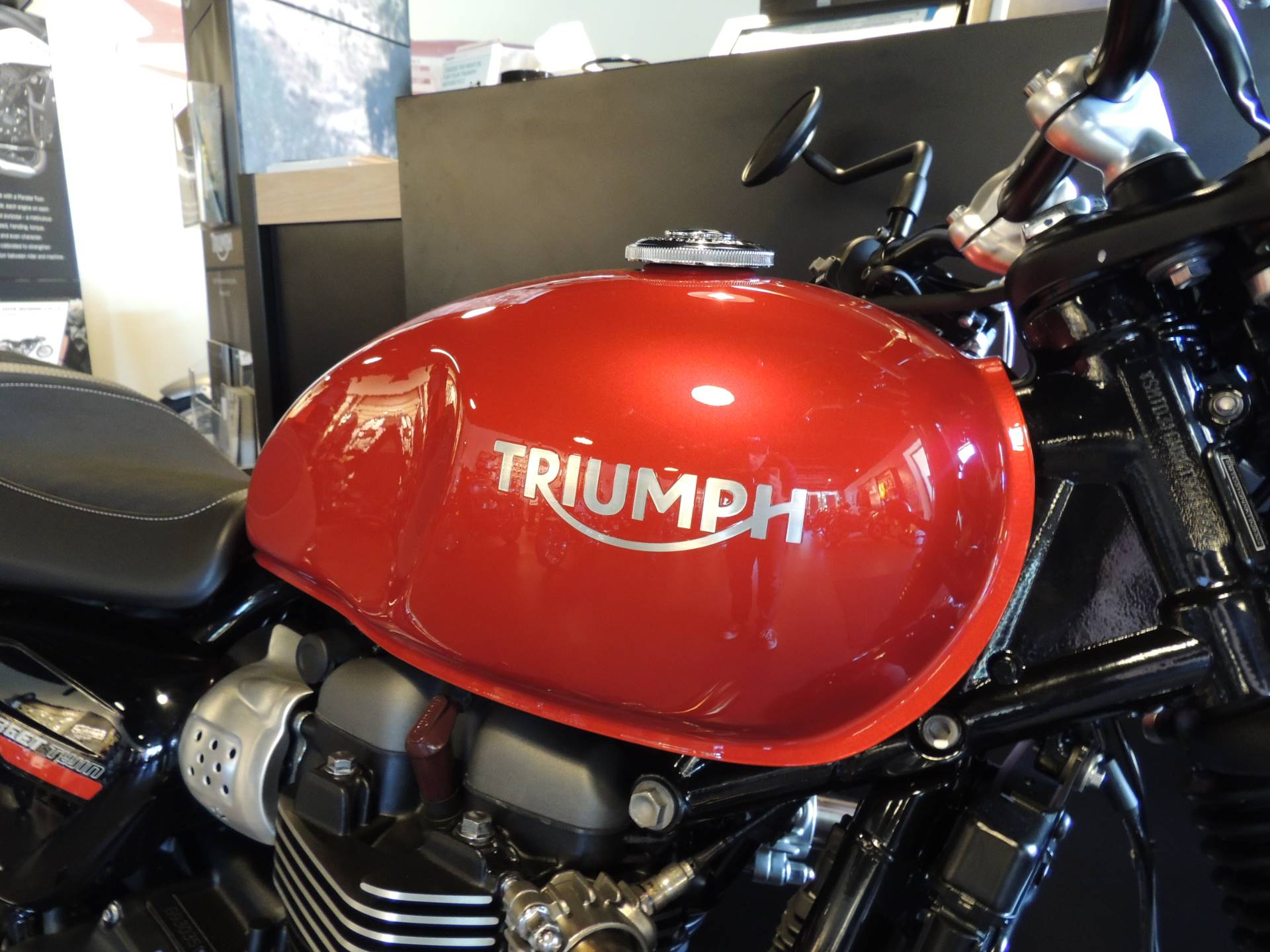 2019 Triumph Street Twin 900 in Shelby Township, Michigan - Photo 6