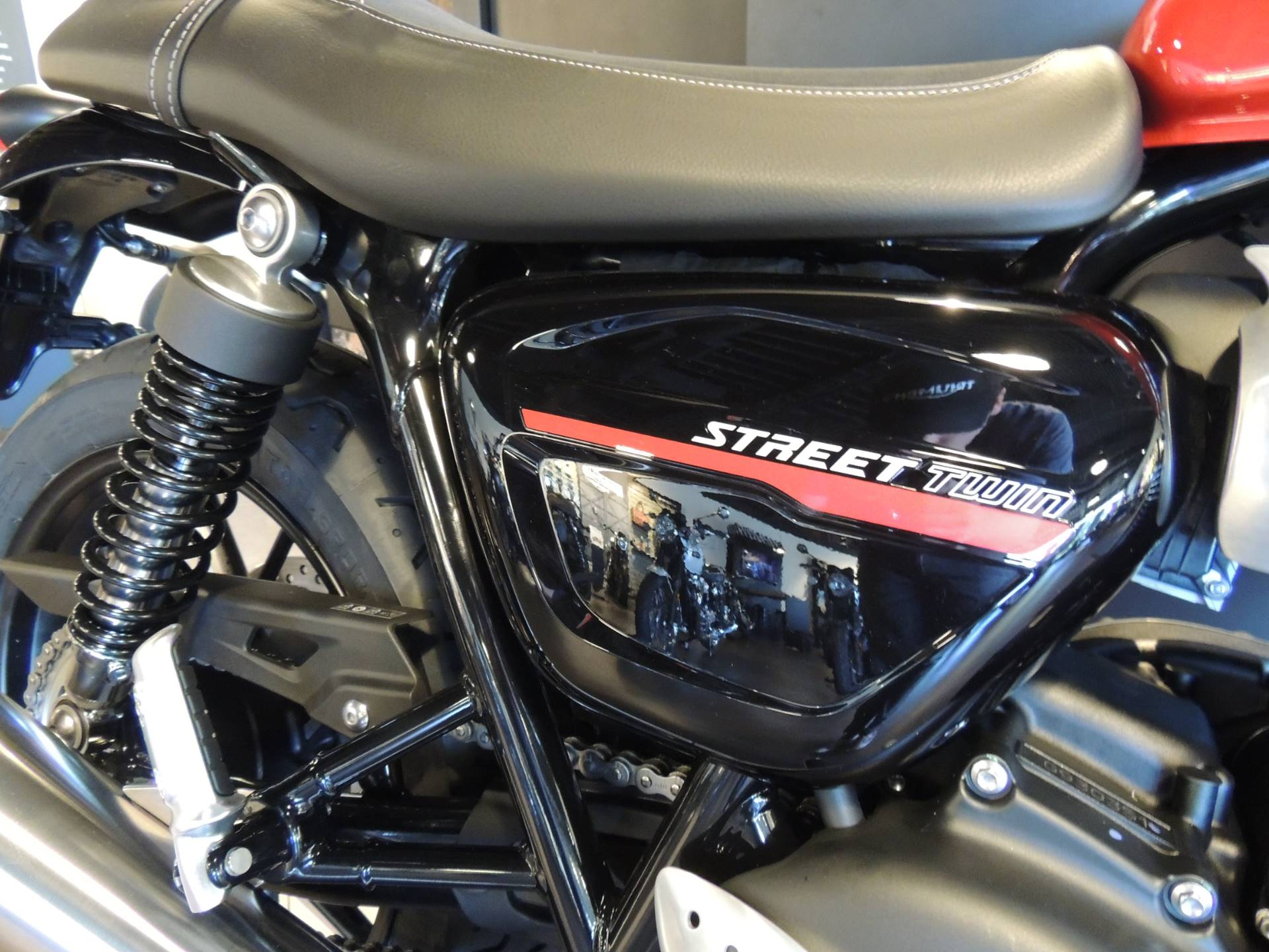 2019 Triumph Street Twin 900 in Shelby Township, Michigan - Photo 7