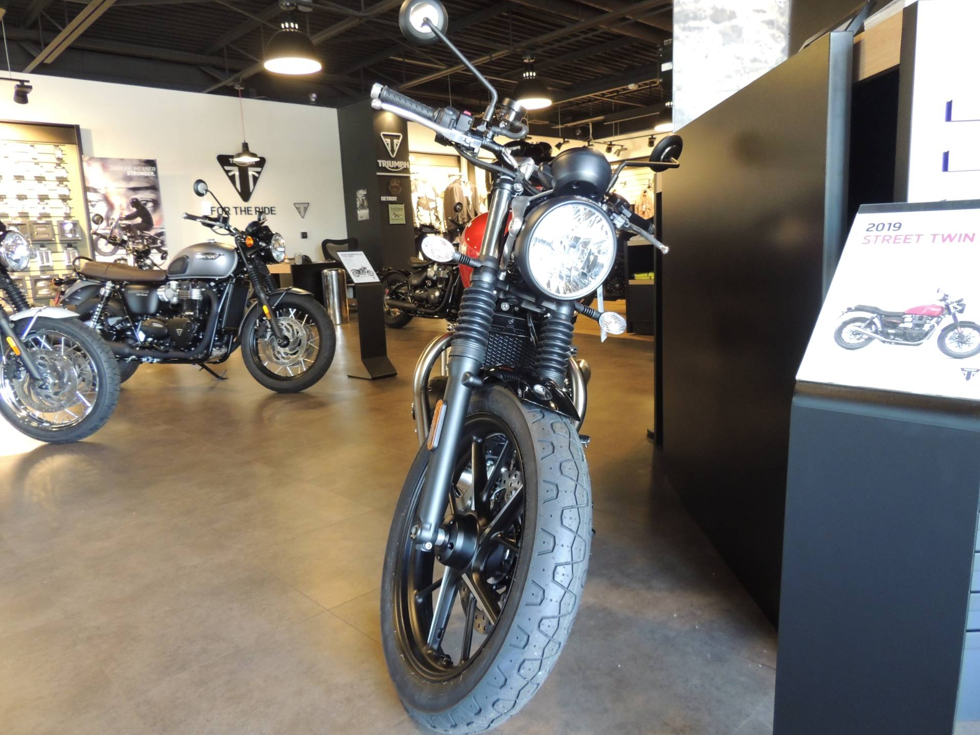 2019 Triumph Street Twin 900 in Shelby Township, Michigan - Photo 8