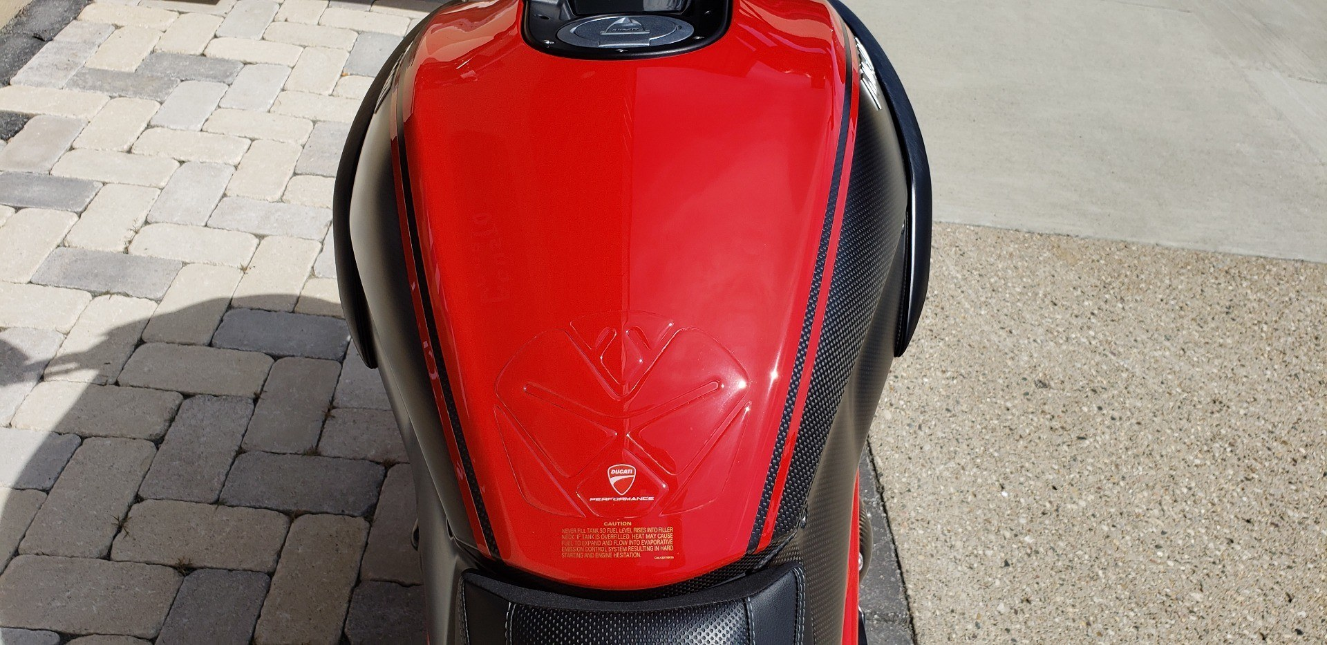 2013 Ducati Diavel Carbon in Shelby Township, Michigan - Photo 11