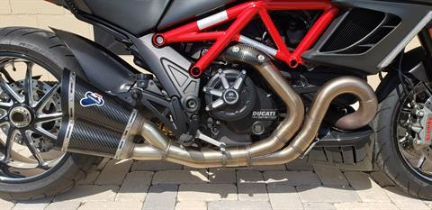 2013 Ducati Diavel Carbon in Shelby Township, Michigan - Photo 2
