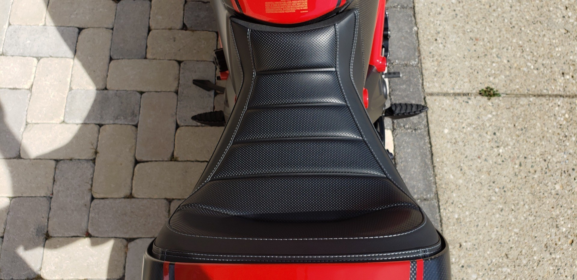 2013 Ducati Diavel Carbon in Shelby Township, Michigan - Photo 16