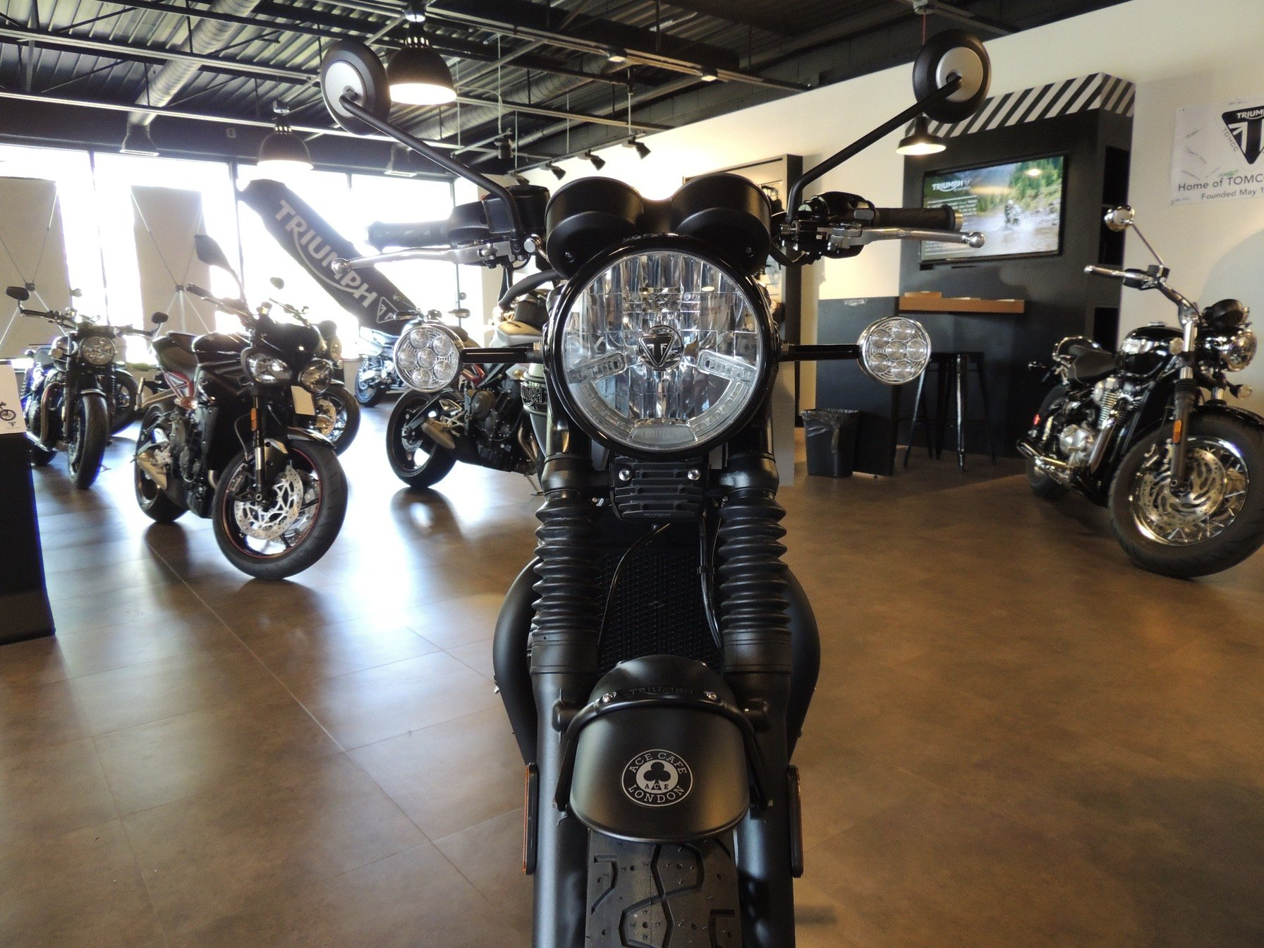 2020 Triumph Bonneville T120 ACE in Shelby Township, Michigan - Photo 9