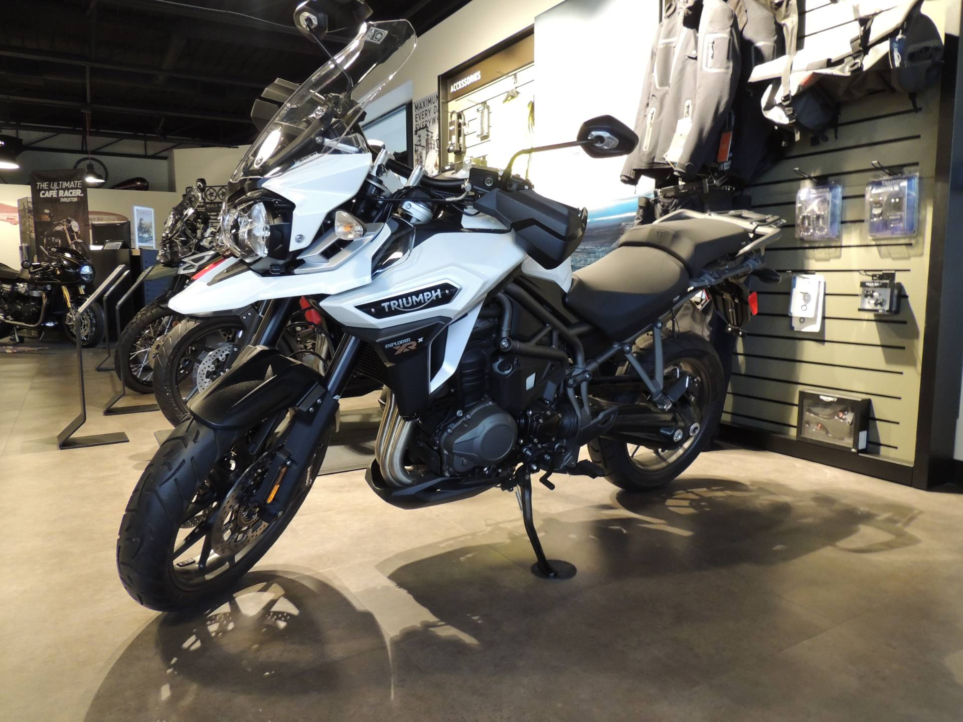 2017 Triumph Tiger Explorer XRx Low in Shelby Township, Michigan - Photo 2